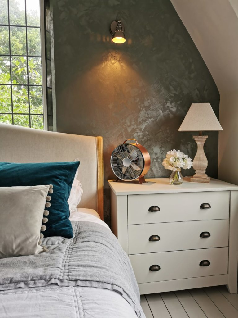 Bedroom-Calico-decorating-furniture